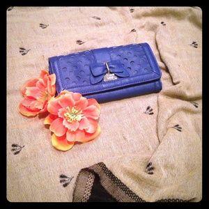 Lulu blue wallet