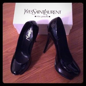 YSL tribute pumps! Black patent leather