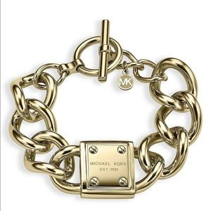 Michael Kors Plaque Toggle Bracelet