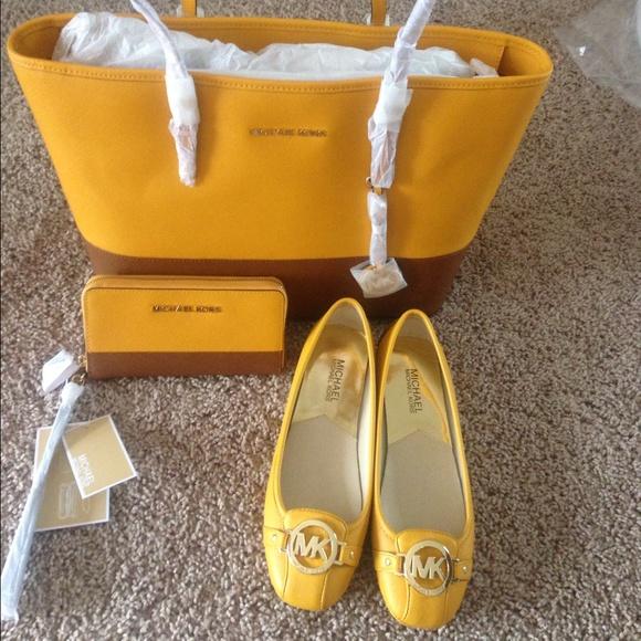 Michael kors tote bag, Shoes & Wallet
