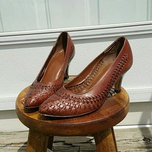 Vintage brown leather woven heel