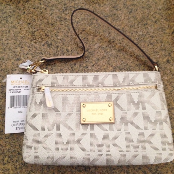 d5f6daf659e951 Buy michael kors large wristlet wallet > OFF32% Discounted