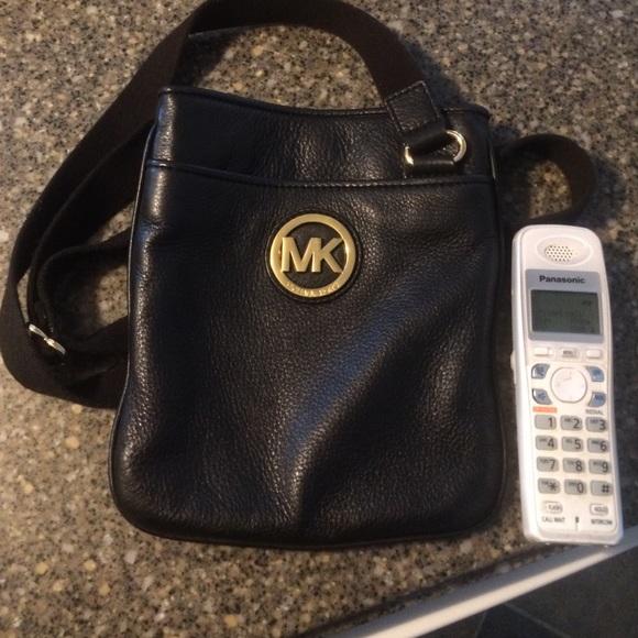 0d81e6d3166fb Buy black crossbody bag michael kors   OFF45% Discounted