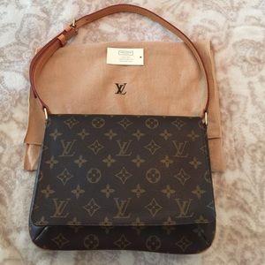 Authentic Louis Vuitton Musette small shoulder bag
