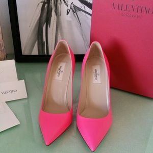 Valentino Shoes - Valentino Shoes Fuscia  Point -Toe Pumps