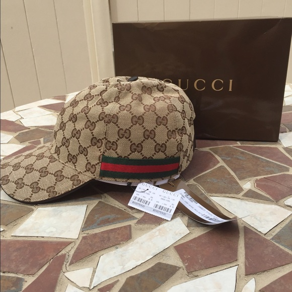 gucci authentic gucci baseball hat from alize 39 s closet. Black Bedroom Furniture Sets. Home Design Ideas