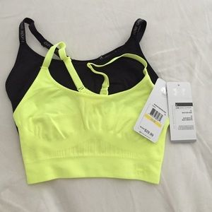 Under armour Women's sports bra size medium