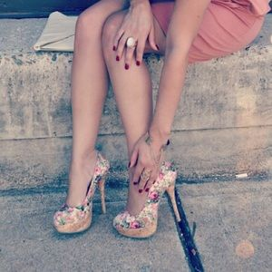 Forever 21 Shoes - Floral Pumps