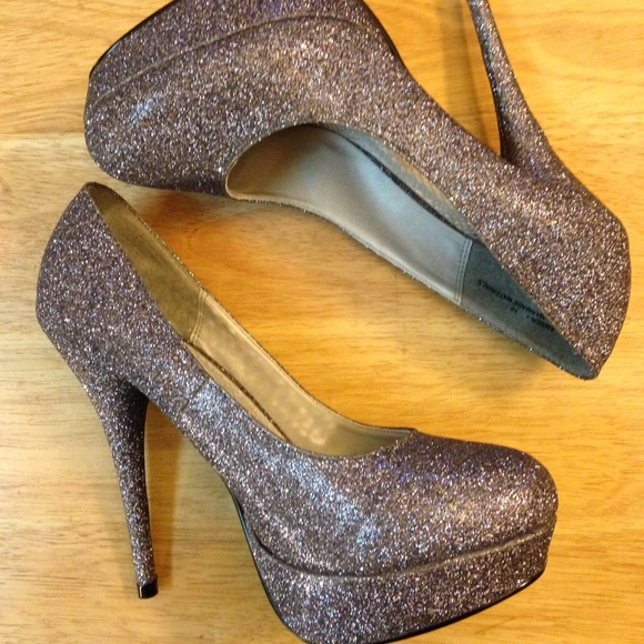 rck pewter platform high heel from tracy s closet