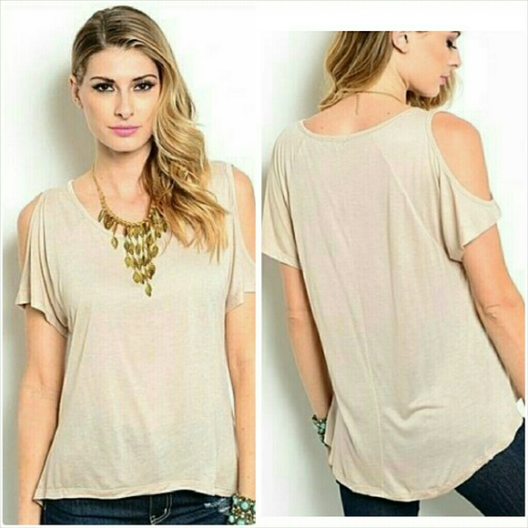 01fc6819144635 Short sleeve cold shoulder top Size Small 5 6