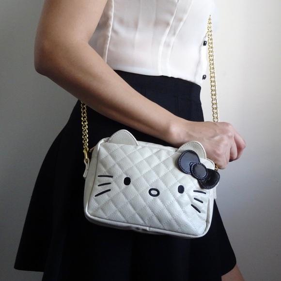 7f21eb956 Sanrio Bags | Cream Hello Kitty Crossbody | Poshmark