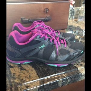 ryka ryka tennis shoes from carrie s closet on