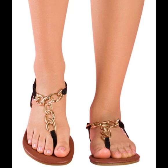 a06c032b93ad18 Chain link flat gladiator sandals black   gold new