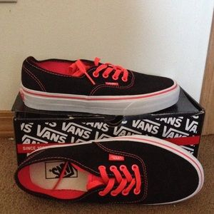 Shoes Vans Poshmark The Wall Off 8dS0xH