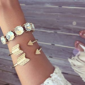 Jewelry - Gold arrow bangle bracelets