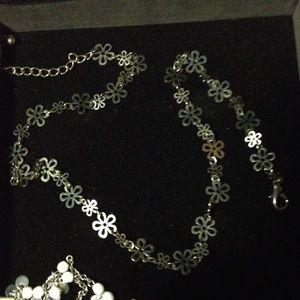 All around silver flower necklace