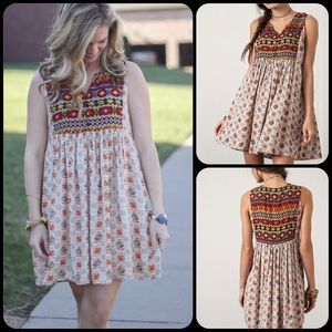 Dresses & Skirts - 🎉🎉HP🎉🎉 Sleeveless Printed Taupe Peasant Dress