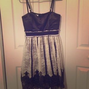 Cute black and white dress! With lace