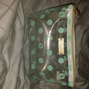 Accessories - Cosmetic bag