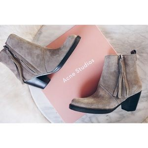 ✨SALE $345✨Acne Studios Pistol Boots in Grey Suede