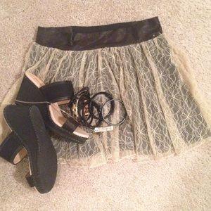 Wet Seal Dresses & Skirts - 🆑Wet Seal Cream/Black Lace Floral Skirt