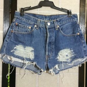 Button fly Levis shorts
