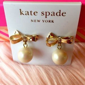 Kate spade bow with pearl drop earrings