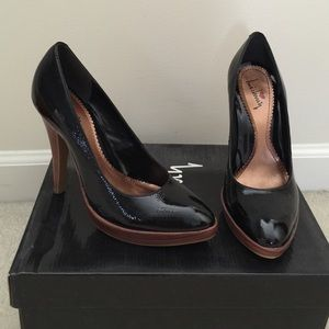 Luichiny patent leather black shoes