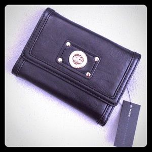 Marc by Marc Jacobs Totally Turnlock Medium Wallet