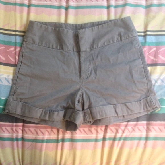 Old Navy Pants - Old Navy High Rise Charcoal Gray Shorts - Size 6