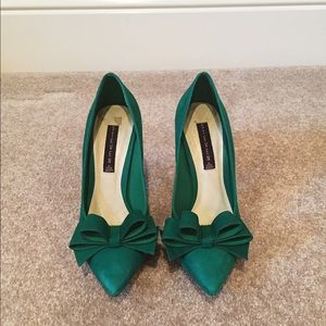 Steve Madden Shoes - Steve Madden Green Bow Heels Size 9