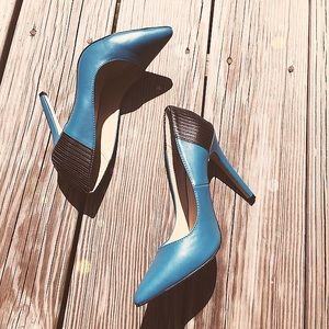 Shoes - SALE💜Teal/black pointy toe heels