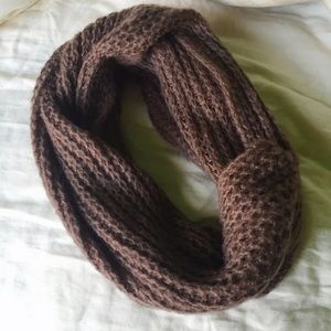 Cotton On brown infinity scarf