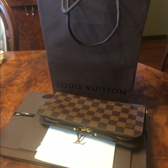 19 off louis vuitton handbags insolite damier from bin for Louis vuitton bin bags