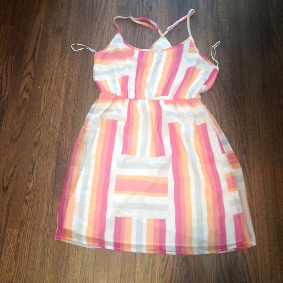 Roxy Dresses & Skirts - Roxy Patterned Dress - XL
