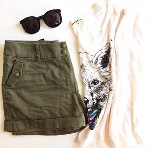 ⬇️H&M Olive Green Rolled Cuff Shorts sz 8