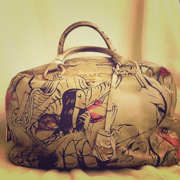 bcd1666a9407 Prada fairy bag rainy day sale. M 552b04e62ba50a354300f6f4