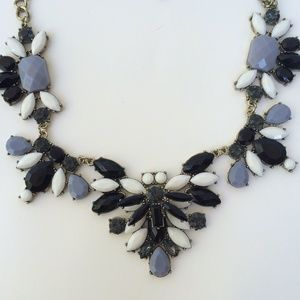 NEW Statement necklace