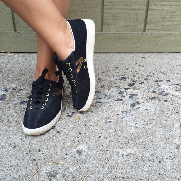 Tretorn Black And Gold Sneakers Size 7