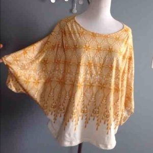 Anthropologie deletta Lace pattern batwing top