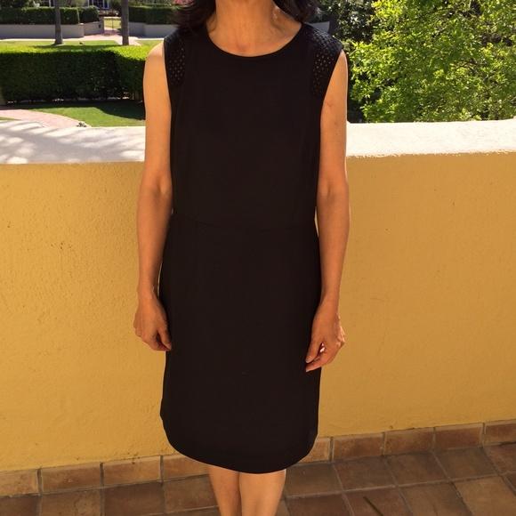 G2000 black dress