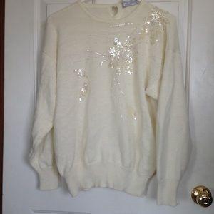 Sweaters - Cream/white sweater