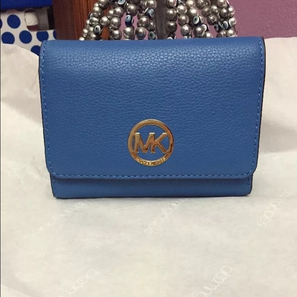 706be0bda5f3 Michael Kors Fulton Medium Trifold Wallet Blue