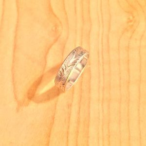 Jewelry - Sterling Silver Leaf-Etched Ring.