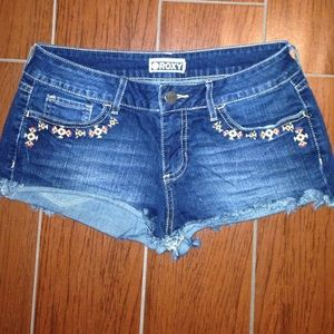 Roxy design denim shorts!