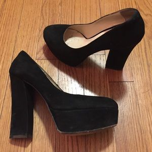 Dee Keller Black Pump