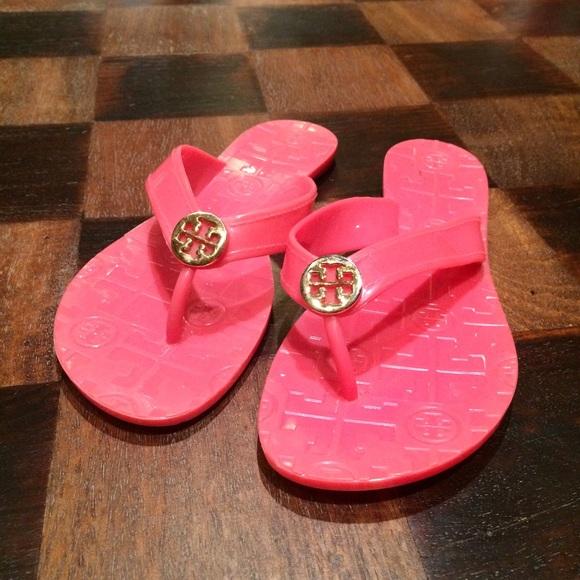 b3d0e4cff Pink Tory Burch Thora Jelly Sandals. M 552b6c142ba50a3543011d90