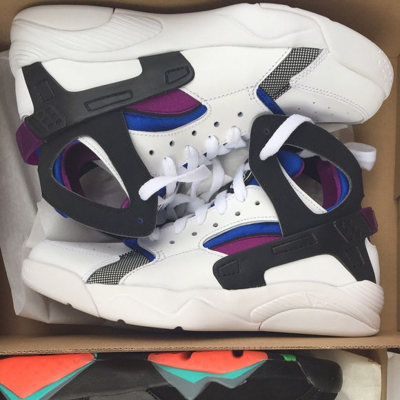 separation shoes e61d6 46614 Brand New Huaraches NWT