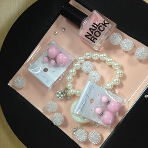 Jewelry - Pale pink front back earrings