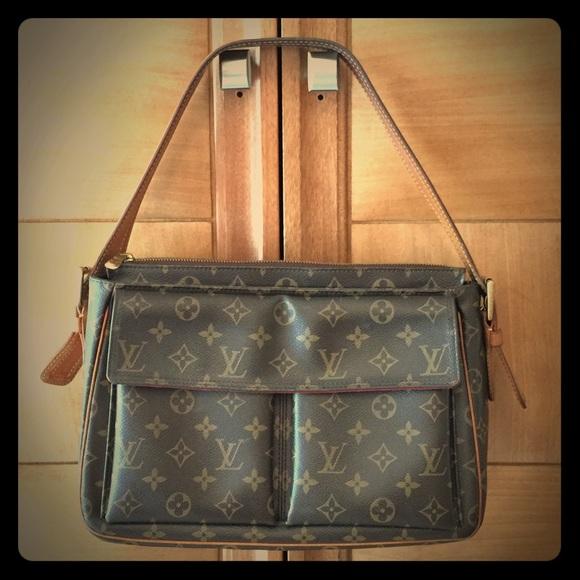 dac1b650f332 Louis Vuitton Handbags - Authentic Louis Vuitton Viva Cite GM